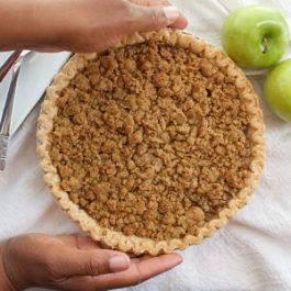 Image of Green Apple Crumble Pie - Apple Crumble Pie - Kultural Kreations